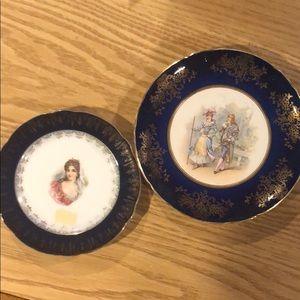 2 antique plates.